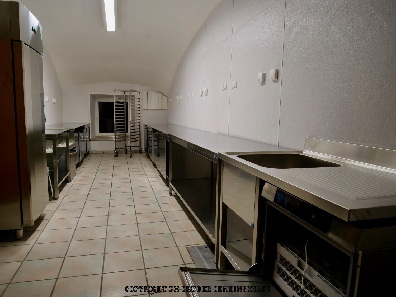 neue Küche im Gewölbe